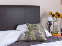 Heritage-leather-headboard-spotlisting