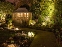 Gardenlighting-case_study_page-diane_bowden-2-spotlisting