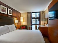 3.double_deluxe_guest_room-spotlisting