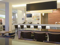Hampton-by-hilton-nuremberg-city-centre-bar-spotlisting