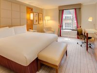 Hilton-cambridge-city-centre-king-executive-guestroom-spotlisting