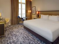Hilton-london-euston-double-deluxe-guest-room-spotlisting