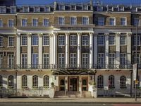 Hilton-london-euston-hotel-exterior-spotlisting