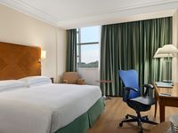 Hilton-rome-airport-king-guest-room-spotlisting